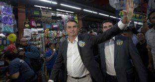 Bolsonaro favorito per il ballottaggio in Brasile