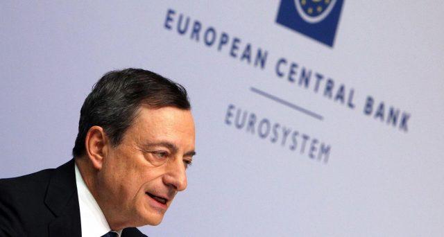 La mano di Draghi all'Italia sullo spread