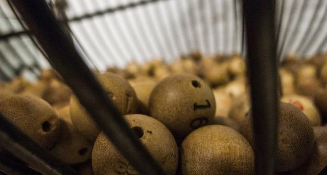 Arriva a 1.6 miliardi di dollari il valore della lotteria Mega Millions, una cifra storica negli Usa. Alle ore 17 il verdetto.