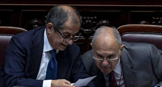 Il vero ministro dell'Economia, ispiratore della manovra di bilancio dell'Italia, è Paolo Savona e non Giovanni Tria. E presto potrebbe diventarlo anche ufficialmente.