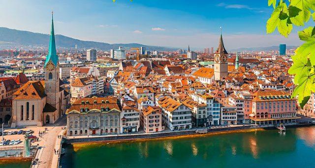 La Svizzera risulta molto esposta all'euro, per cui siamo sicuri che portarci i nostri capitali sarebbe una buona strategia per tutelarci dai rischi nell'area?