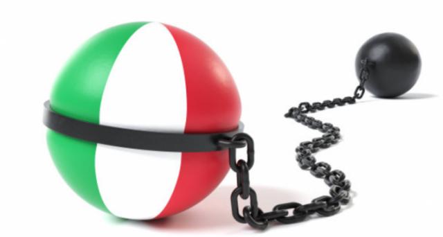 Il racconto di un'Italia che accumula debiti a causa del lassismo fiscale dei suoi governi non regge alla prova dei numeri. Ecco cosa ci segnalano i grafici.