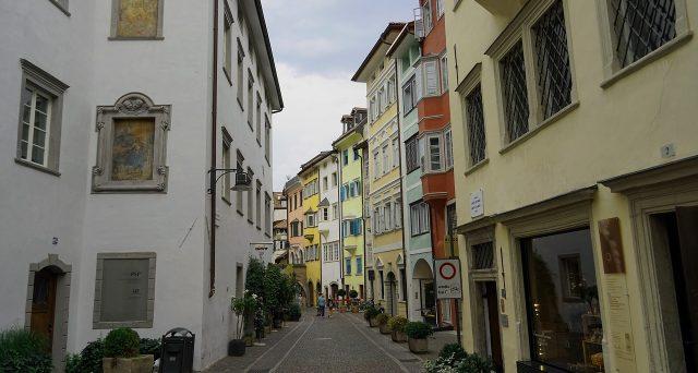 Torna l'annuale classifica sulla qualità della vita in Italia. Ecco dove si vive meglio e quali parametri sono stati considerati. Bolzano ancora regina.