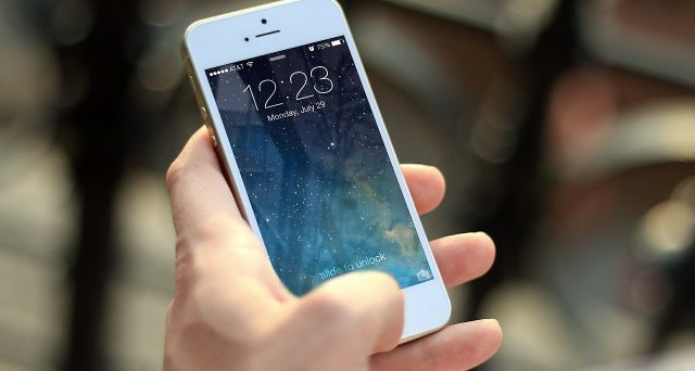Il Parlamento europeo ha approvato il pacchetto telecomunicazioni, chiamare tra i paesi Ue costerà meno.