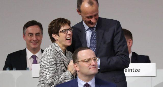 L'elezione di Annegret Kramp-Karrenbauer alla guida della CDU dopo 18 anni di segreteria Merkel non è una buona notizia per il centro-destra in Germania, che rischia di così di regalare consensi agli euro-scettici dell'AfD. E la crisi di UE ed euro resta intatta.