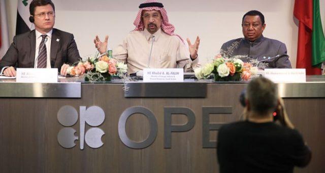 L'Arabia Saudita non avalla un taglio deciso della produzione di petrolio e le quotazioni crollano sotto i 60 dollari a vertice OPEC ancora in corso. L'America di Trump invia un suo emissario a Vienna e si apre il giallo sull'incontro con il ministro al-Falih.