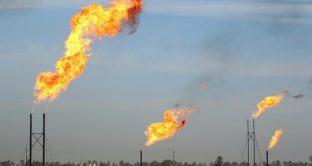 Petrolio sotto 60 dollari, benefici per l'Italia