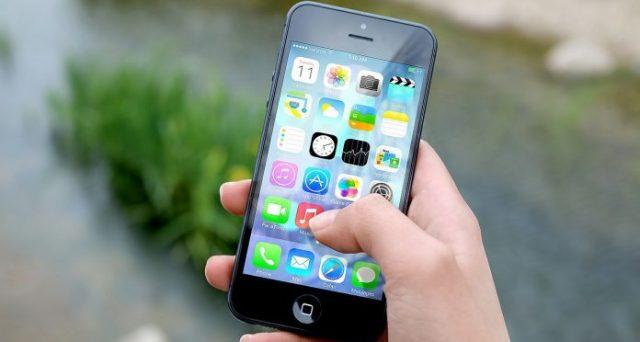 L'iPhone colpisce il fatturato di Apple