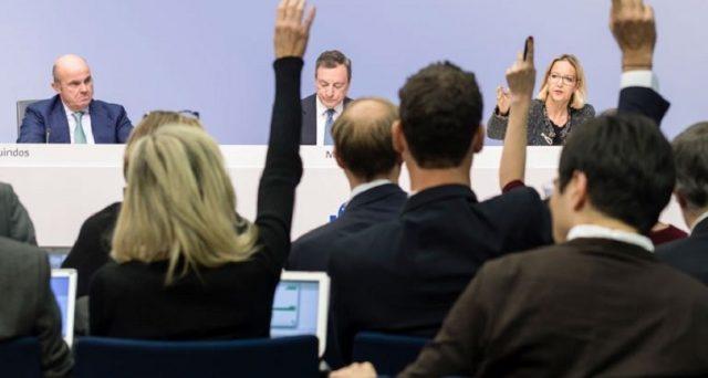 Draghi vede rischi bassi di recessione nell'Eurozona