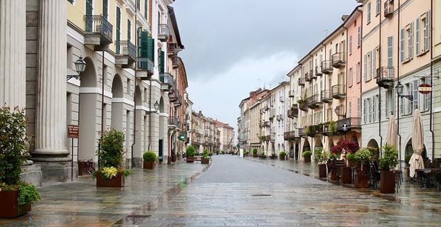 Il mercato immobiliare italiano non si riprende e viene il dubbio che non si tratti tanto e solo della lunga crisi iniziata dopo il 2007, bensì di un fenomeno più strutturale.