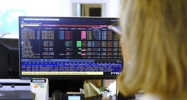 Gennaio è stato un buon mese per i nostri titoli di stato, ma la tregua concessaci dai mercati potrebbe finire già dopodomani. Ecco perché si rischiano nuove tensioni tra Italia e Commissione europea.