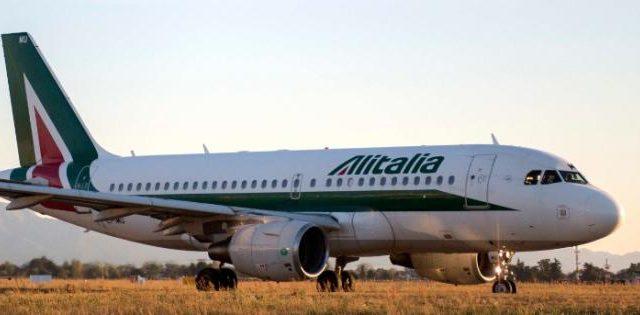 Il salvataggio di Alitalia passa per una partnership con altri soggetti privati. Dal governo giallo-verde non si esclude, invece, una rinazionalizzazione.