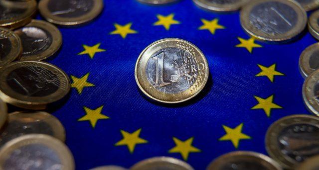 La crisi dell'euro e l'ambizione di molti ad averlo in tasca