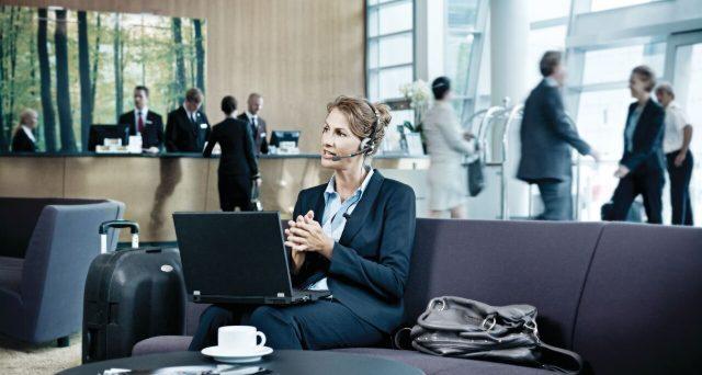 Le donne in Italia lavorano poco, anche se verrebbero discriminate meno in azienda. Tuttavia, i numeri parlano di un 8 marzo lungi dal dover essere festeggiato.