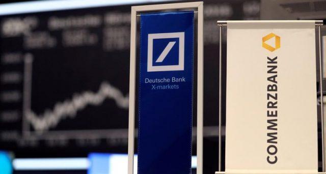 La cancelliera Angela Merkel punta al trucco per avallare le nozze tra Deutsche Bank e Commerzbank, senza formalmente addossare nuovi oneri ai contribuenti tedeschi. Ma dovrà vedersela con gli italiani.