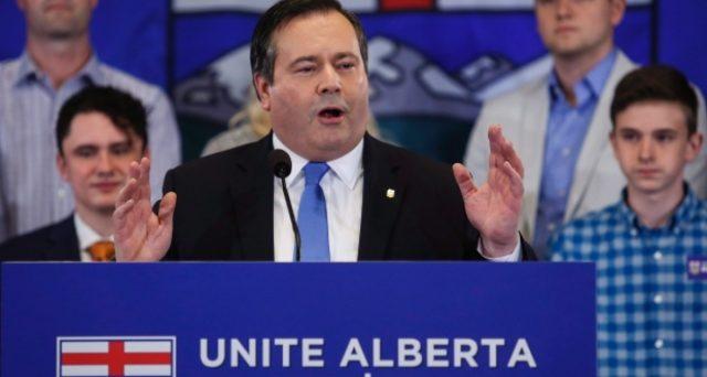 Il petrolio affossa il centro-sinistra nella ricca regione canadese di Alberta