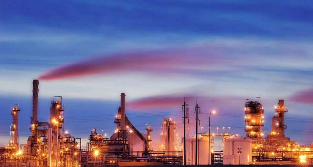 Le quotazioni del petrolio hanno guadagnato il 40% dai minimi toccati a dicembre, ma la corsa potrebbe essere giunta alla fine. Ecco cosa pesa sul mercato mondiale.