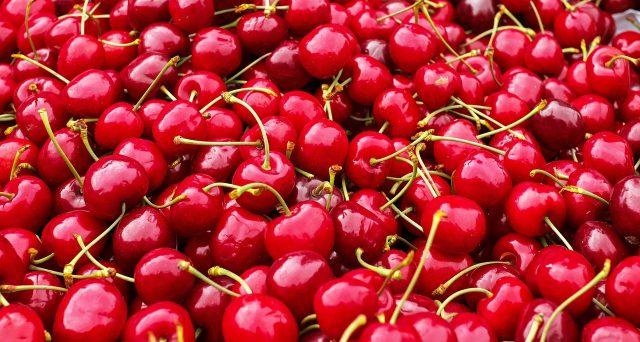 Prezzi alti per ciliegie e altra frutta a causa del maltempo. A lanciare l'allarme è stata Coldiretti.