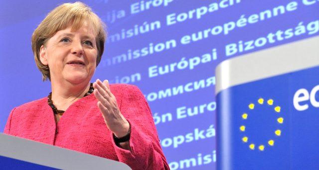 La cancelliera Angela Merkel è politicamente più debole che mai. Una buona notizia per l'Italia, che può approfittarne per la spartizione delle cariche UE.