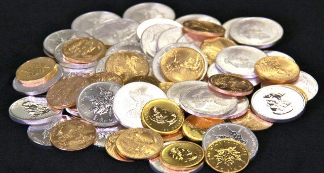 Argento meno bene dell'oro sui mercati