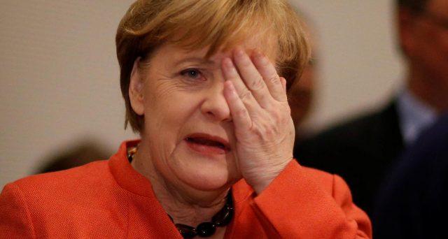 La recessione in Germania appare più vicina dopo i dati sugli ordini industriali in forte calo a maggio. E la cancelliera Merkel ha messo le mani avanti, puntando sulla