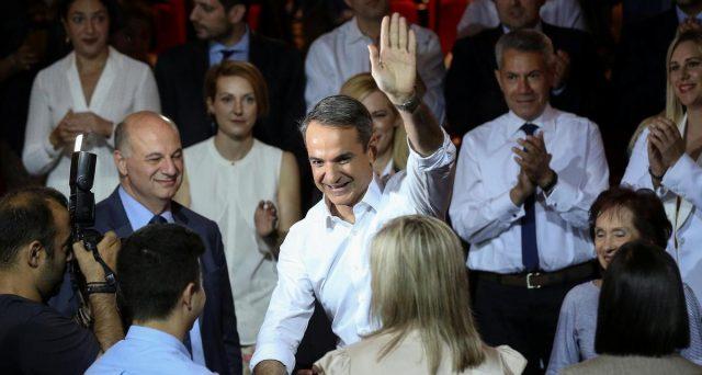 La Grecia va ad elezioni anticipate domenica e il governo Tsipras è dato da tutti i sondaggi in forte svantaggio rispetto agli avversari di centro-destra. I mercati sono fin troppo euforici e i rendimenti sovrani sono collassati ai minimi storici.