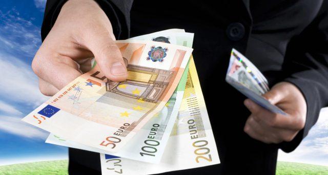Lotta all'uso del denaro contante per i pagamenti? Ecco quali condizioni metterebbero in difficoltà i crociati contro il cash.