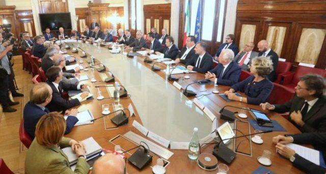 Salvini incontra i sindacati e irrita i 5 Stelle