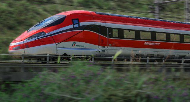 Trenitalia taglia treni per covid
