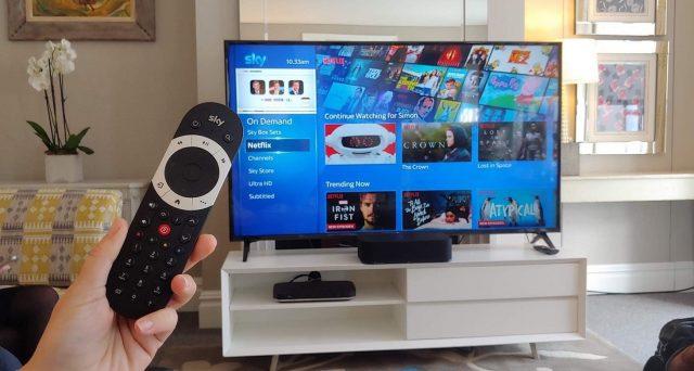 Sky Italia vuole entrare nel mercato della fibra ottica per differenziare i servizi offerti e sta per lanciare una campagna abbonamenti apposita. Ma possiamo sperare in una reale concorrenza con TIM?