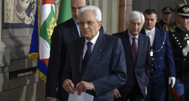 Il presidente Mattarella ha concesso ai partiti 5 giorni in più e un secondo e ultimo giro di consultazioni. Il capo dello stato si è mostrato irritato per la scarsa responsabilità dei leader politici.