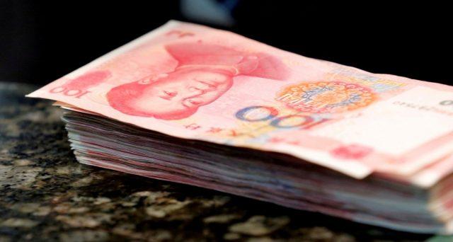 La Cina svaluta lo yuan e l'Europa si rivela vulnerabile alla strategia di Pechino per neutralizzare i dazi imposti da Donald Trump. Rischiamo di perdere quote di pil e posti di lavoro.
