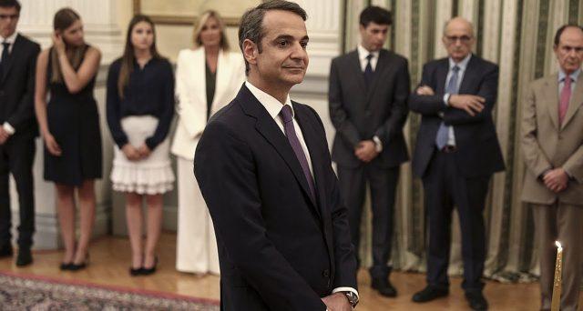 Economia in decisa ripresa in Grecia e migliorano le prospettive con il nuovo governatore conservatore, che punta a rafforzare le banche per sostenere la crescita.
