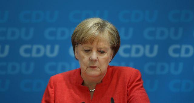 In calo di consensi la cancelliera Merkel, il cui partito rischia di perdere lo scettro della politica in Germania e a favore dei Verdi. La svolta ambientale del governo tedesco non basta all'economia e non sta portando voti.