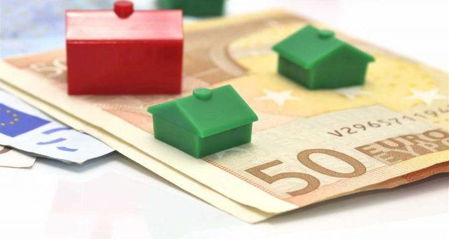 MutuiSupermarket elenca i migliori mutui a tasso variabile per il mese di settembre. Costi bassissimi e calanti, ma le richieste delle famiglie crollano da inizio anno. Ecco le ragioni di questo apparente paradosso.