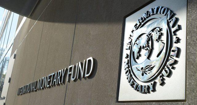 I debiti delle imprese sono diventati troppo alti e nel caso di crisi, quasi la metà sarebbe a rischio. L'allarme lanciato dal Fondo Monetario Internazionale riguarda, in particolare, i mercati emergenti e di frontiera, troppo esposti verso l'estero.