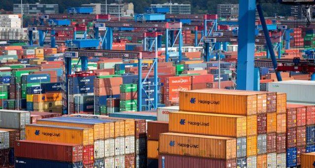 Export tedesco in calo nel 2020 per la prima volta dalla crisi mondiale del 2008-'09. L'allarme è stato lanciato dalle Camere di Commercio e non va sottovalutato. Questi dati ci spiegano perché.