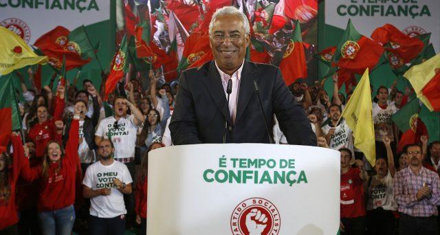 Le elezioni politiche in Portogallo decretano la vittoria dei socialisti del premier Antonio Costa, che per governare dovrà allearsi con altri partiti di sinistra. Il suo governo raccoglie i frutti del miracolo economico e seminati dal centro-destra sotto la Troika.