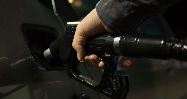 Gli automobilisti italiani hanno consumato 20 mila tonnellate in meno di gasolio rispetto all'anno precedente.