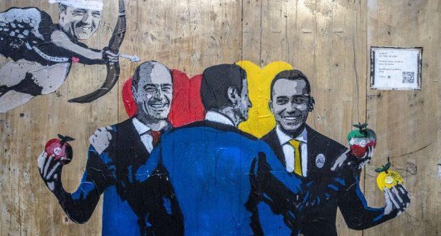 Luigi Di Maio avverte il premier Giuseppe Conte sulla manovra: