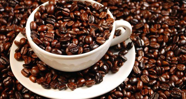 Prezzi del caffè e della pizza: ogni città ha un costo diverso e allora dove conviene bere il caffè?
