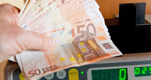 I conti correnti potranno essere sequestrati dai sindaci per tasse non riscosse, se i titolari non pagano in tempo. La norma, contenuta nella