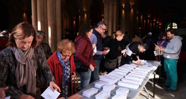 Le quarte elezioni politiche in quattro anni confermano l'ingovernabilità in Spagna, dove i socialisti arretrano e, pur restando primi, avranno ancora maggiori difficoltà a formare una maggioranza. Boom della destra di Vox, bene i popolari e crolla Ciudadanos.