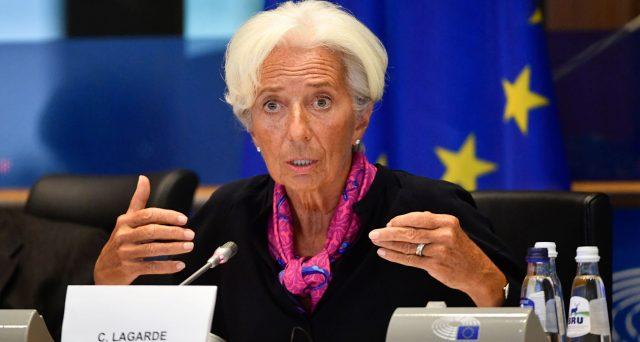 La prima conferenza stampa alla BCE di Christine Lagarde ha mostrato uno stile assai diverso dai predecessori e, per certi versi, pericoloso per i mercati e l'economia nell'Eurozona.