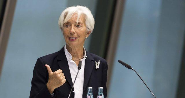 La BCE di Lagarde debutterà con l'avvio dei lavori per rivedere il target d'inflazione, anziché concentrarsi sull'utilizzo degli strumenti, come durante il mandato di Draghi. I rischi di questa scelta non mancano.