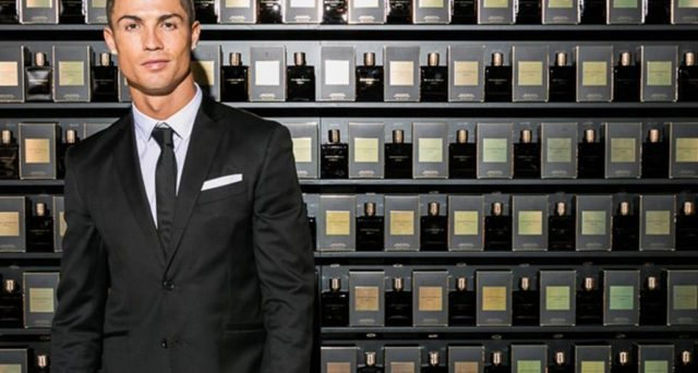 Italia Independent e il brand di Cristiano Ronaldo hanno stretto un accordo quinquennale per la produzione eyewear. La prima collezione sarà pronta per la stagione primavera/estate 2020. Le azioni di Lapo Elkann schizzano del 50% in poche ore.