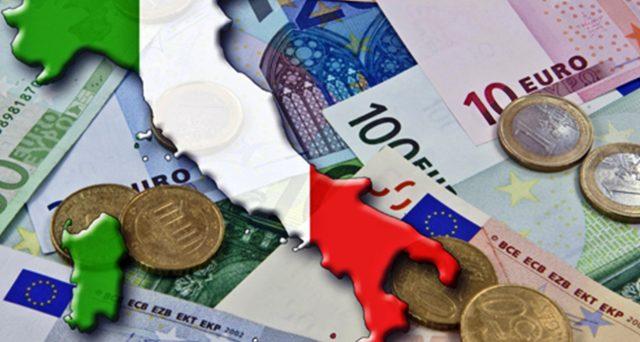 L'economia italiana ripiega per la quarta volta dal 2008 e segnala che il debito pubblico italiano, di questo passo, diverrà insostenibile, indipendentemente dagli sforzi dei singoli governi per contenerlo.