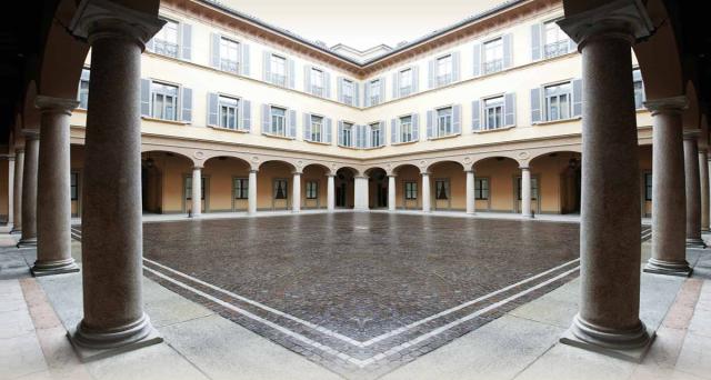 La quota di Mediolanum in Mediobanca potrebbe essere azzerata nel caso in cui Leonardo Del Vecchio salisse oltre il 10% attualmente detenuto. L'avvertimento arriva dalla famiglia Doris e riguarda l'indipendenza di Piazzetta Cuccia.
