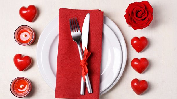 I menù di San Valentino di Gordon Ramsay, Antonino Cannavacciuolo e Carlo Cracco: ecco quanto costa cenare nei loro ristoranti.