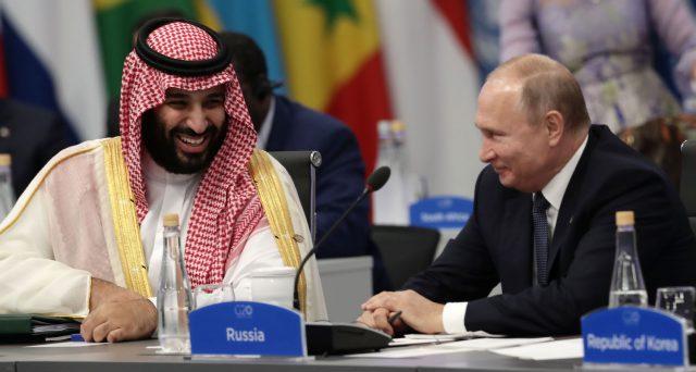La Russia ha respinto la richiesta dell'Arabia Saudita per un vertice OPEC+ di emergenza per affrontare le conseguenze del virus cinese. Le quotazioni del petrolio sprofondano ai minimi da 14 mesi. Vediamo le ragioni del mancato accordo.